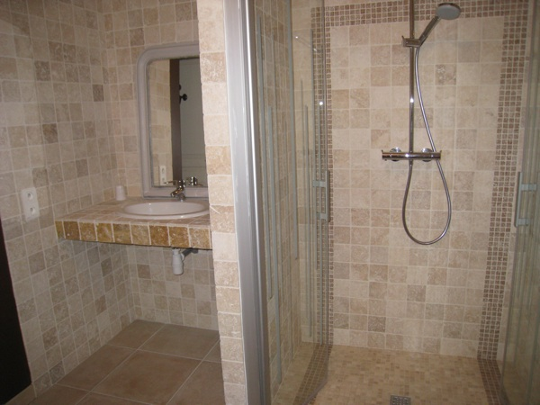 Photos et description la grande voirie - Salle d eau a l italienne ...